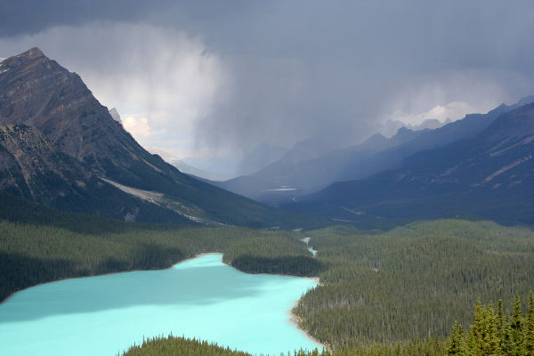 atmospheric_perspective_factors_storm_lake_peyto