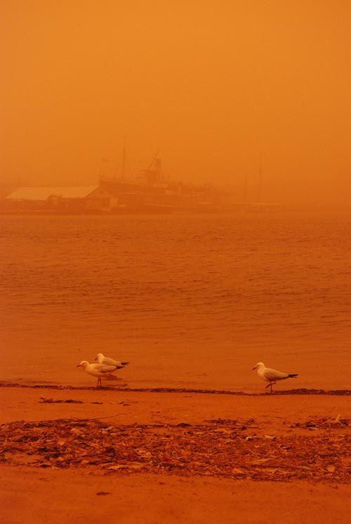 atmospheric_perspective_factors_sydney_dust_storm